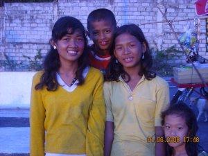 Poor children in Manila